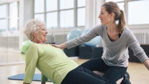Пять простых упражнений для спины при остеохондрозе