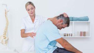 Болит спина, какой врач поможет?
