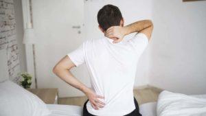 Болит спина. Что делать на карантине?