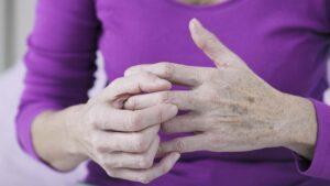Боль в суставах рук лечение